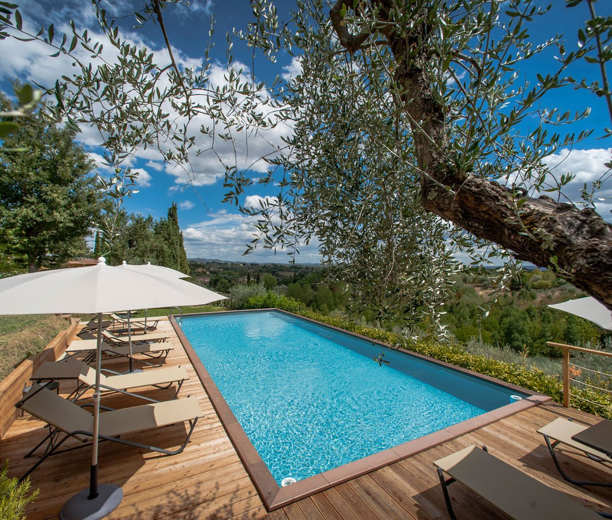 Holiday Apartments In A Tuscan Villa